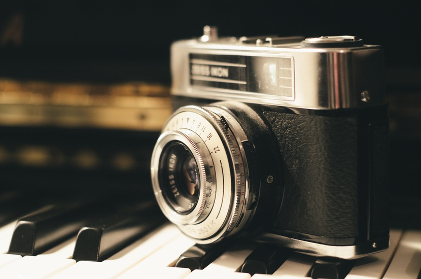 camera-photography-vintage-lens-large